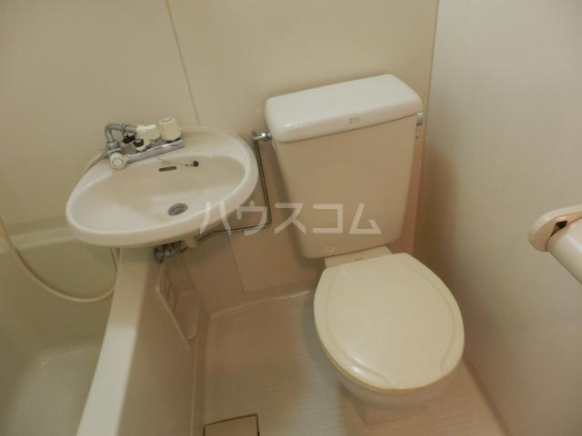 リリーハイムD棟 102号室のトイレ