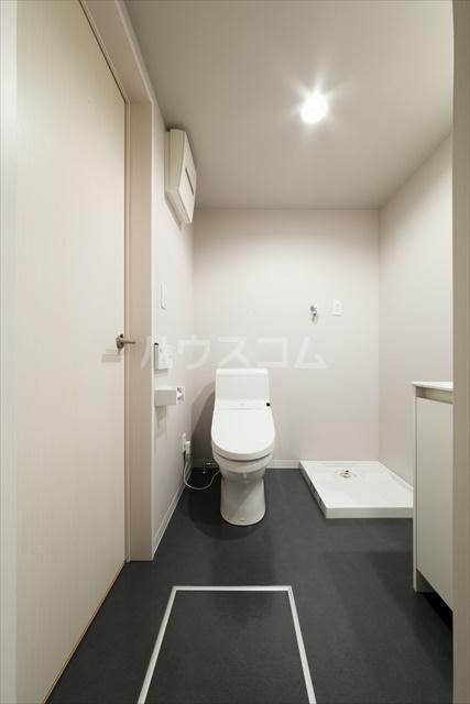 FourLeaf西大宮 101号室のトイレ