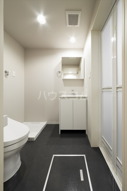 FourLeaf西大宮 101号室の洗面所