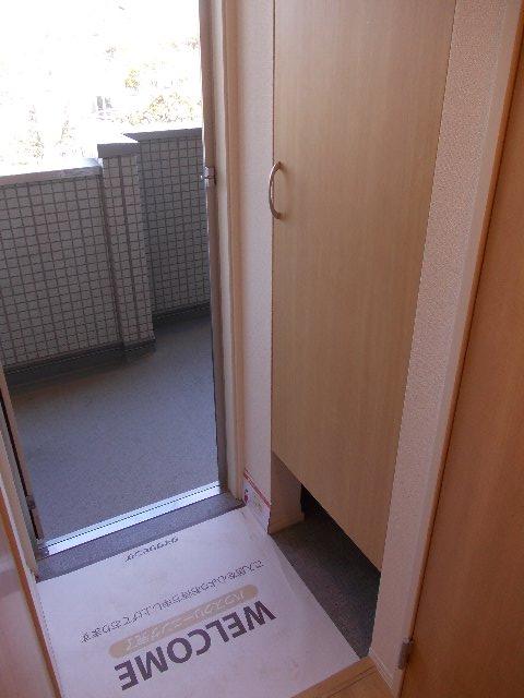 セントポーリア 201号室の玄関