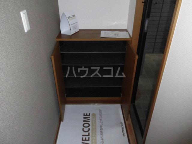 カサグランデ E 201号室の玄関