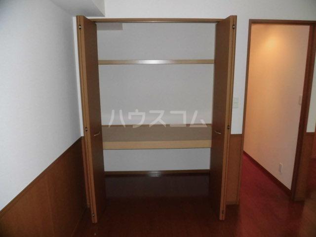 カサグランデ E 201号室の収納