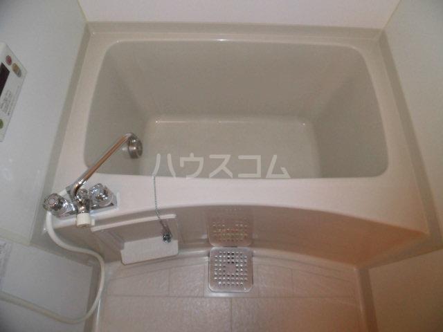 カサグランデ E 201号室の風呂