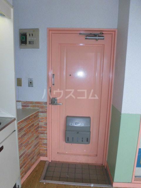 カーサパークサイド 302号室の玄関