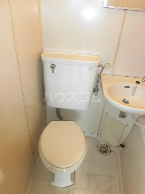カーサパークサイド 302号室のトイレ