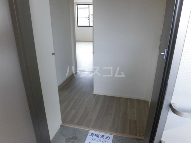 リビオンN 202号室の玄関