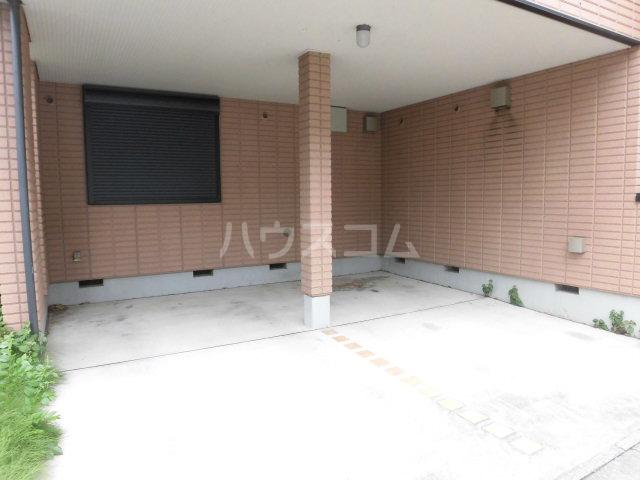 リビオンN 202号室の駐車場