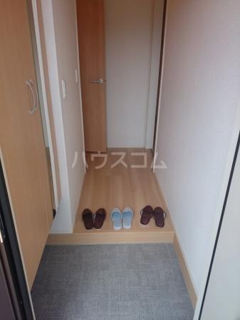 グランデⅠ 102号室の玄関