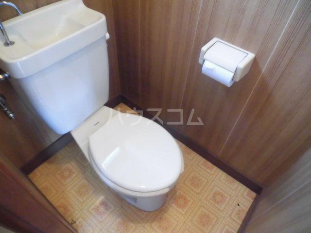 チェリーハウス 201号室のトイレ