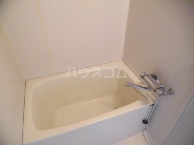 チェリーハウス 201号室の風呂