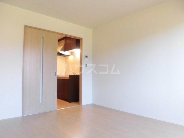 フィカーサ東大宮 102号室の居室