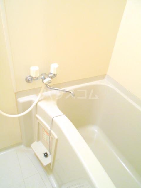 第10丸三マンション 203号室の洗面所