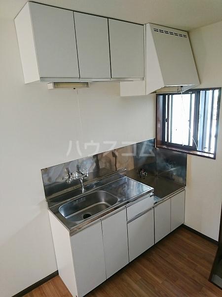 コーポグリーンヒル 201号室のキッチン