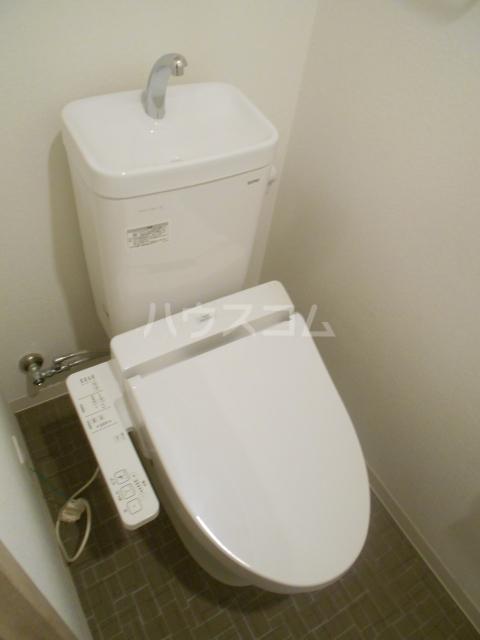 ソレイユ・ルヴァン 702号室のトイレ