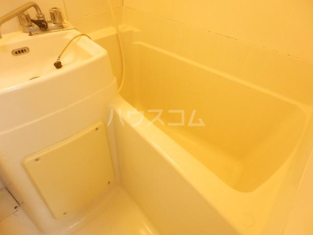 ラビアン7号館 105号室の風呂