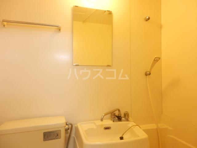 ラビアン7号館 105号室の洗面所