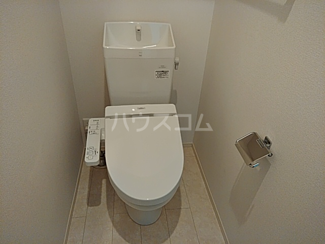 ロイヤルグラン 201号室のトイレ