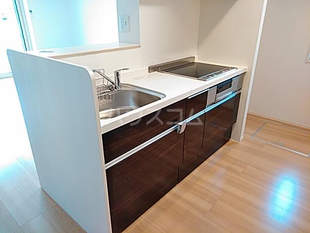 ロイヤルグラン 201号室のキッチン
