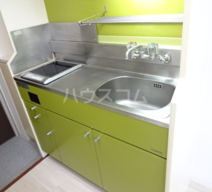 ハイタウン目黒 303号室のキッチン