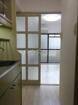 ハイタウン目黒 303号室の居室