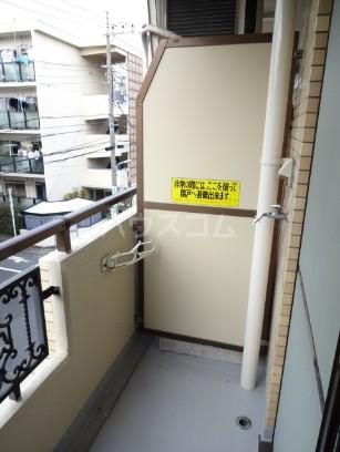 ハイタウン目黒 303号室のバルコニー
