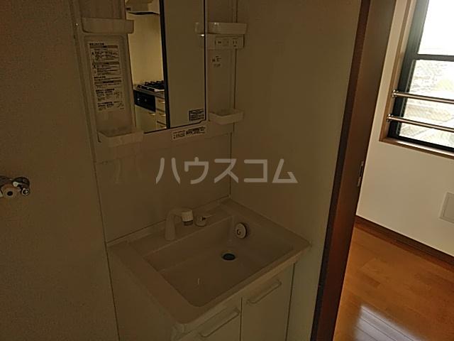 メルヴィ洗足 501号室の洗面所
