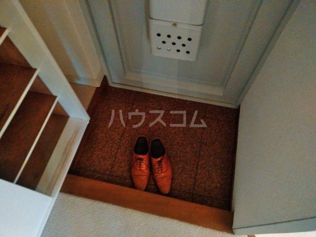 洗足第一マンション 303号室の玄関
