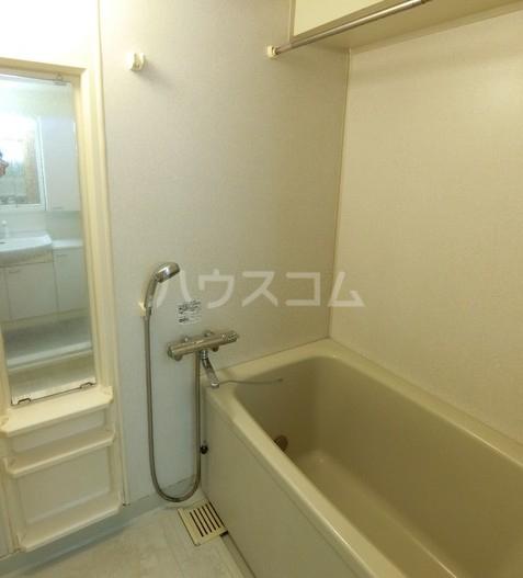 アクトフォルム武蔵小山 303号室の風呂