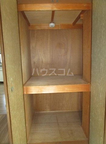 SHビル 701号室の収納