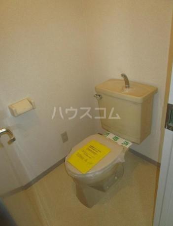 SHビル 701号室のトイレ