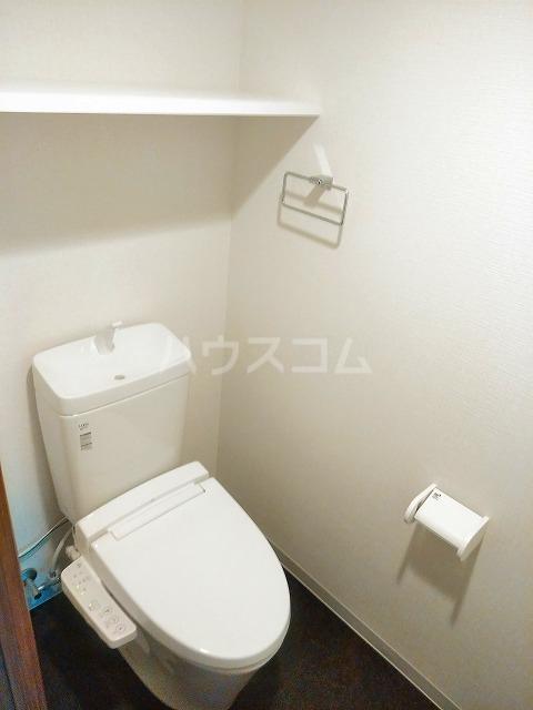 ビアンコネロ雪谷大塚 506号室のトイレ