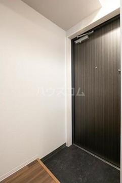 ビアンコネロ雪谷大塚 511号室の玄関