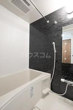 ビアンコネロ雪谷大塚 511号室の風呂