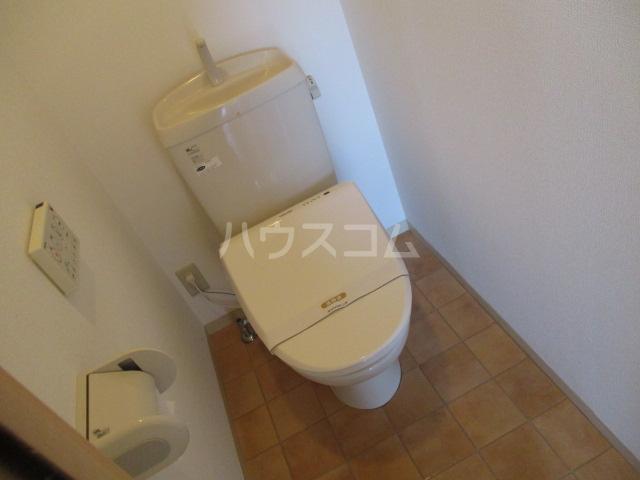 スタースクウェア 203号室のトイレ