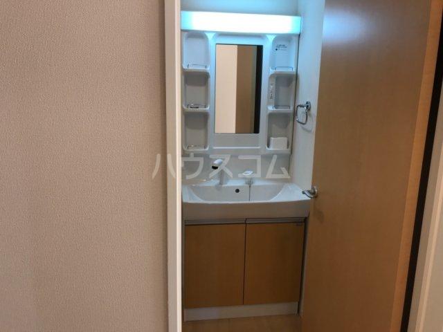 ウィステリアⅡ 102号室の洗面所