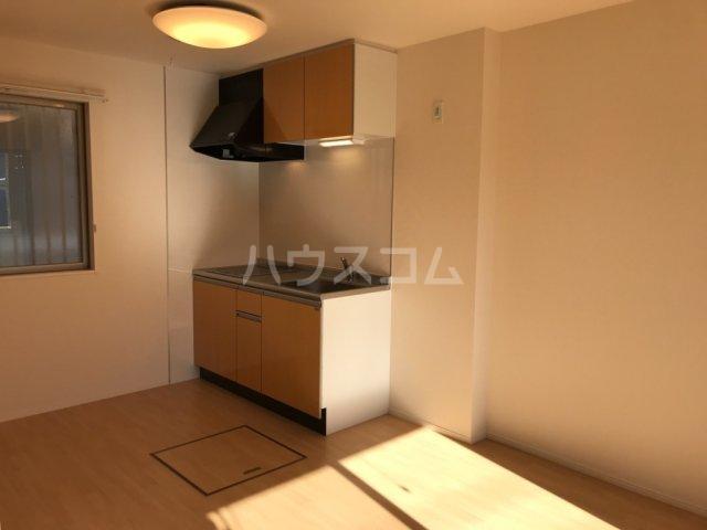 ウィステリアⅡ 102号室のキッチン