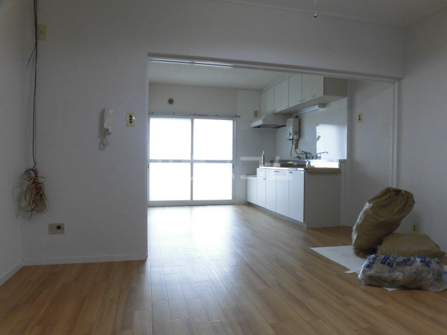 志木宗岡住宅 403号室のリビング
