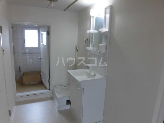 志木宗岡住宅 403号室の洗面所