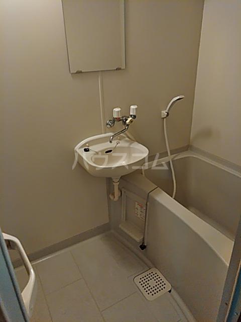アネスタ赤羽 103号室の洗面所