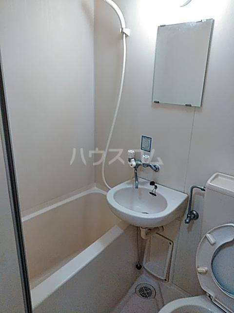 秀華三番館 101号室の風呂