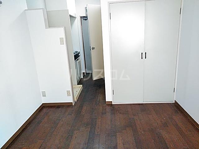 秀華三番館 101号室の居室