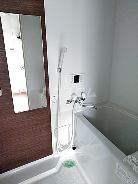 UTOPIA 201号室の風呂