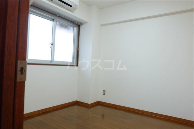 陽南イタリハイツ 105号室の居室