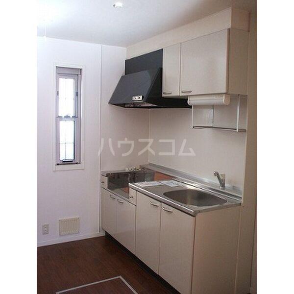 ドリームタウンⅢ A 105号室のキッチン