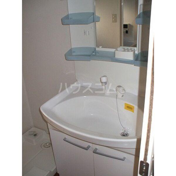 ドリームタウンⅢ A 105号室の洗面所