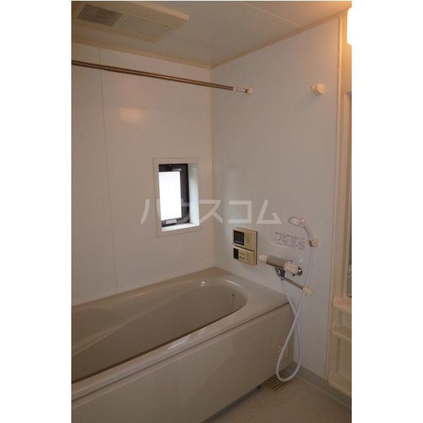 エターナル宝木 D棟 102号室の風呂