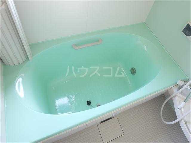 レジデンスアルタⅢ 102号室の風呂