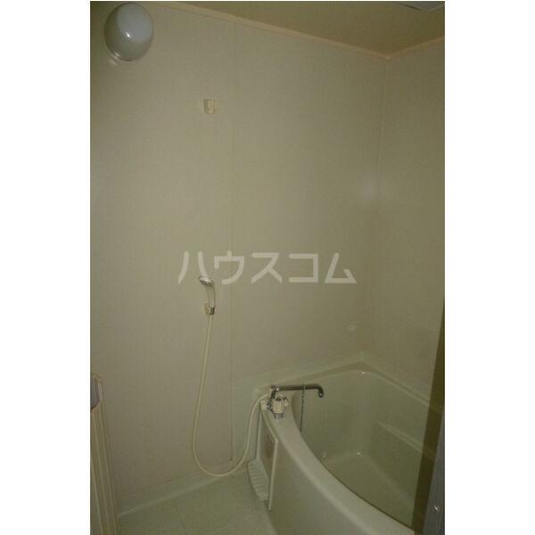 サンガーデン106 E 202号室の風呂