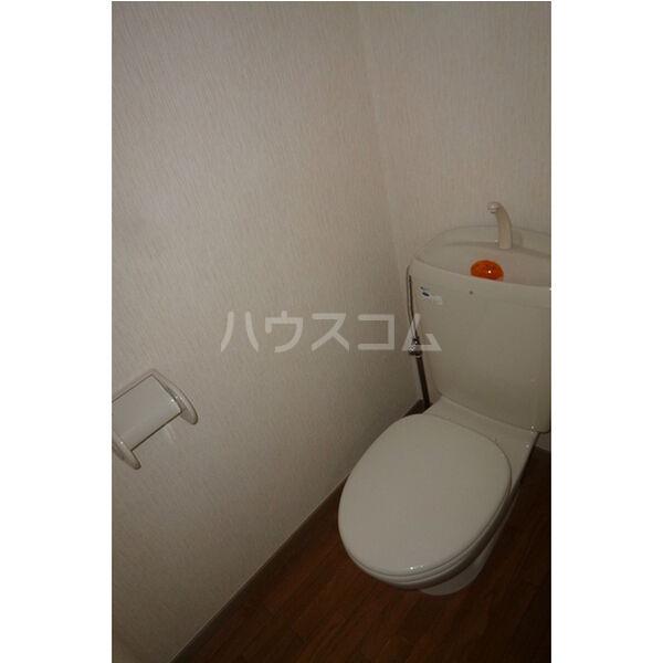 サンガーデン106 E 202号室のトイレ