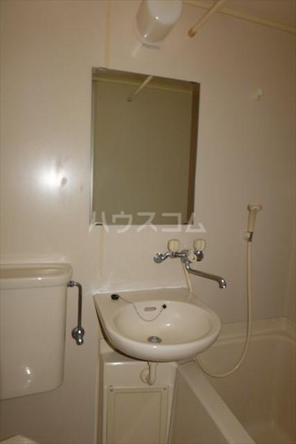コーポメール 203号室の洗面所